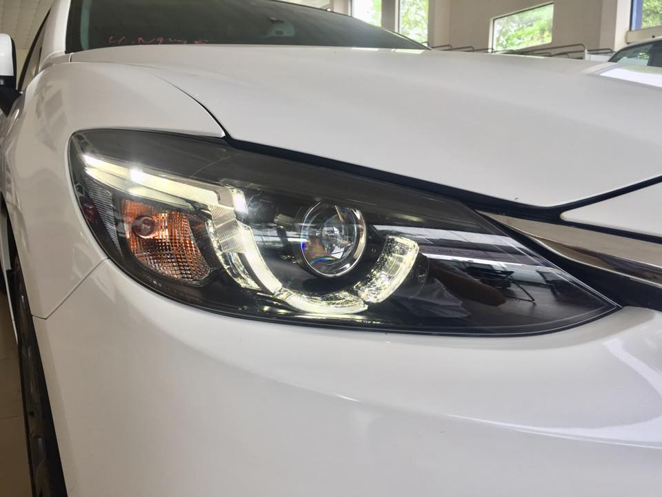 đèn Mazda6
