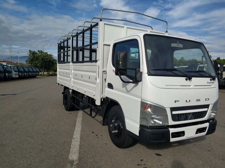 FUSO CANTER 01