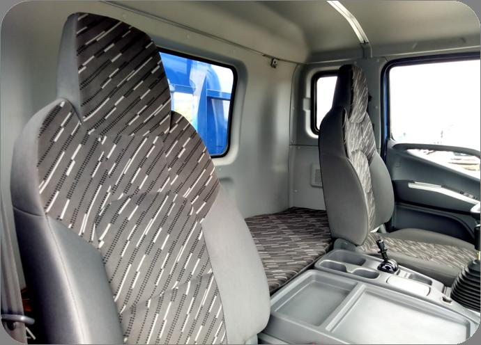 ghế lái C160